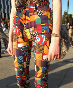 graphic-pants